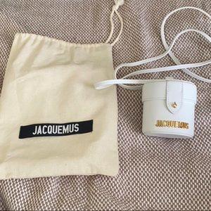 White jacquemus bag